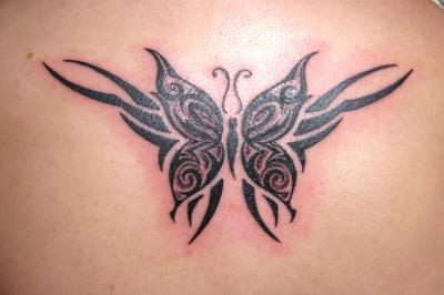 papillon tribal tatouage. Black Bedroom Furniture Sets. Home Design Ideas